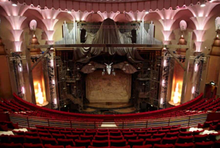 Apollo Victoria Theatre Venue Information British Theatre