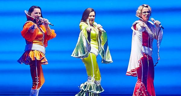 1Kim-Ismay,-Dianne-Pilkington-and-Rebecca-Lock-in-the-West-End-production-of-MAMMA-MIA!-Credit—Brinkhoff-&-Mîgenburg