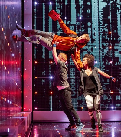 6.-Cast-of-The-Curious-Incident-of-the-Dog-in-the-Night-Time-at-the-Gielgud-Theatre.-Photo-credit-Brinkhoff-Mogenburg