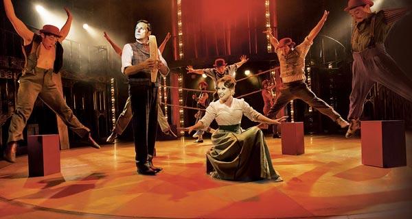 Barnum starring Brian Conley touring the UK