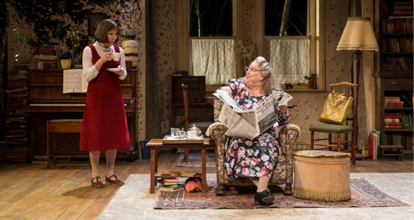 Stevie starring Zoe Wannamaker at the Hampstead Theatre
