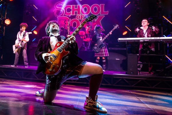 Alex-Brightman-and-the-kid-band-from-School-of-Rock—The-Musical-Photo-by-Matthew-Murphy