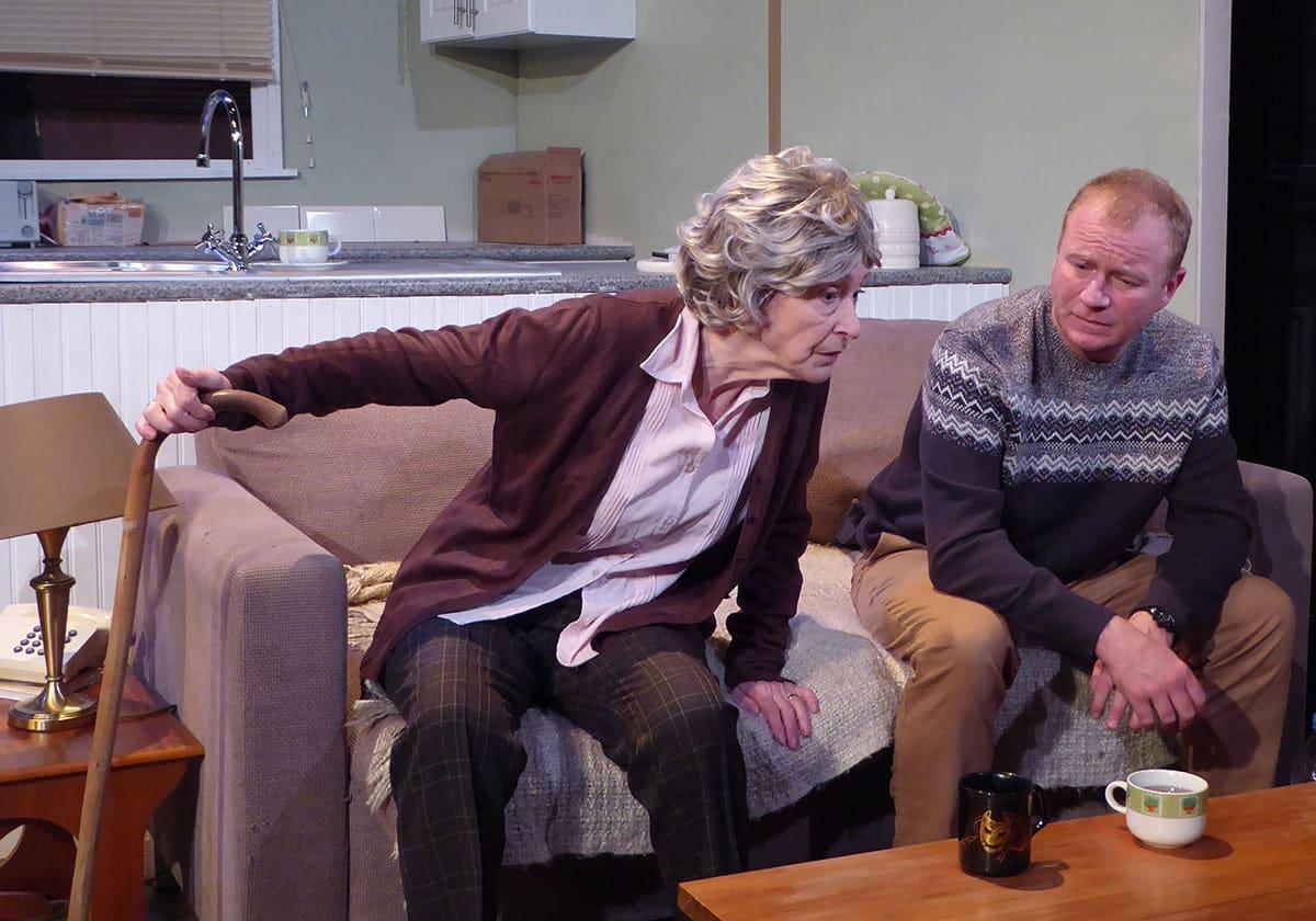 Linda Clark and Steven Arnold in Broken Strings