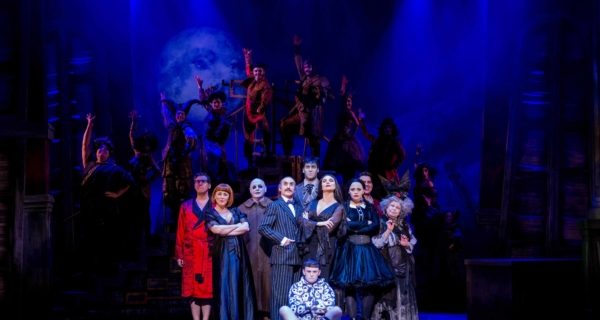 REVIEW: The Addams Family, New Victoria Theatre Woking ✭✭✭✭✭