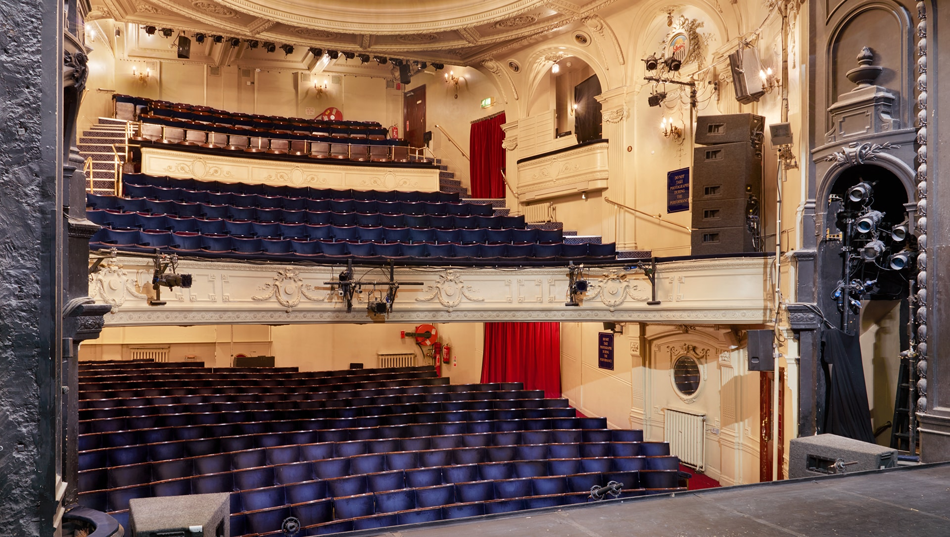 ambassadors-theatre-london-interior