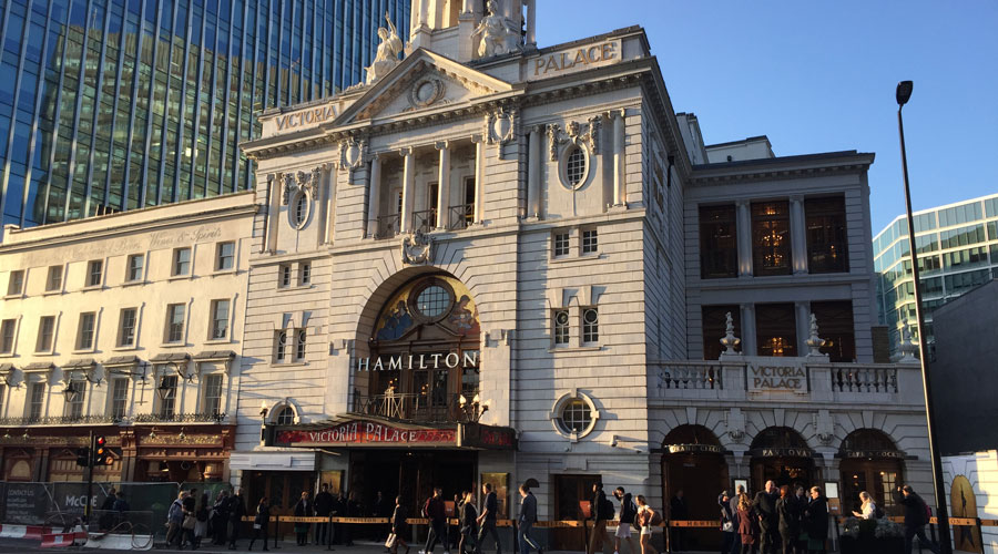 victoria-palace-theatre-london-exterior-hamilton