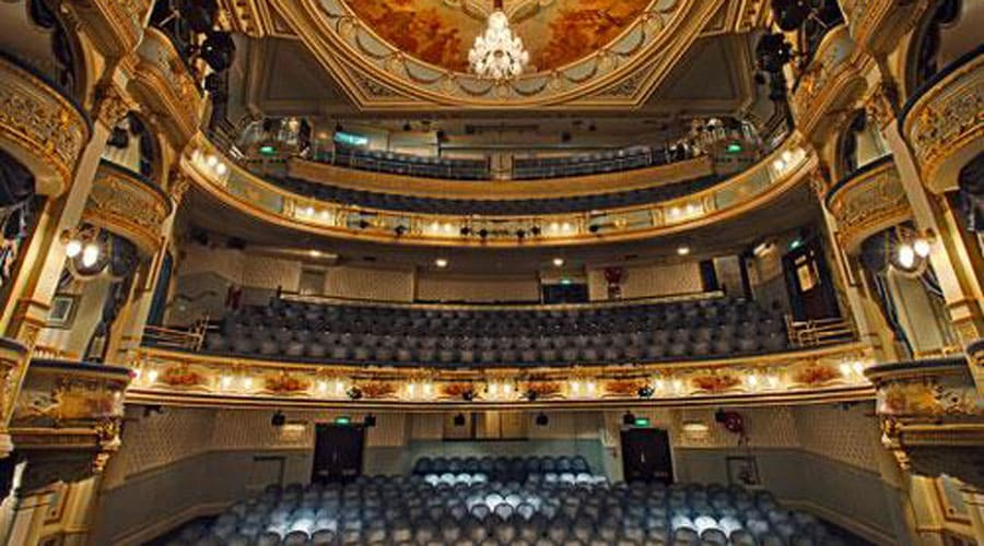 wyndhams-theatre-london-interior