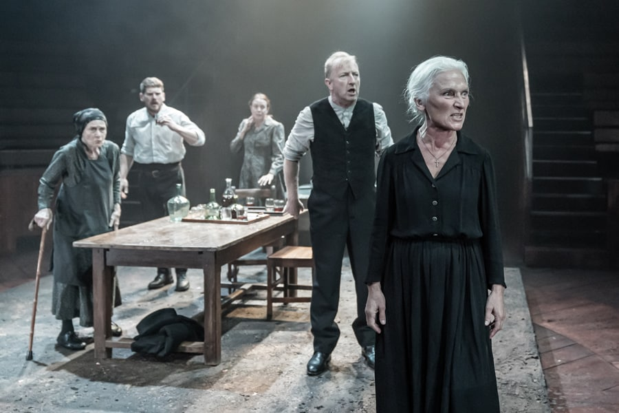 Blood Wedding Young Vic Theatre